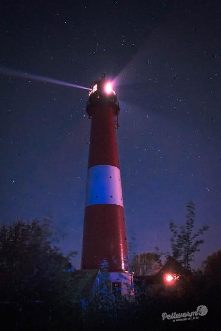 Pellwormer Leuchtturm bei Nacht