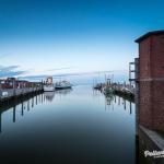 Der Hafen von Pellworm zur blauen Stunde