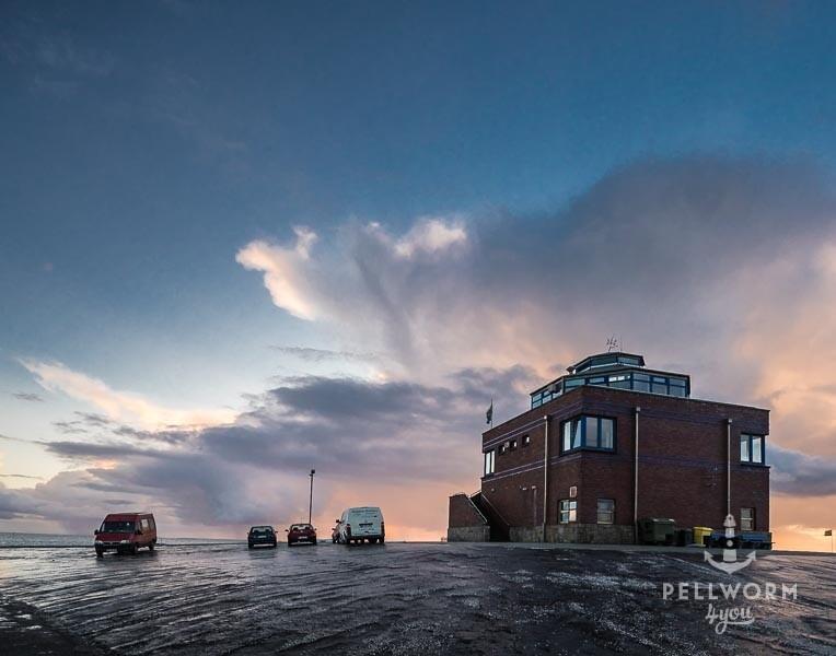 Der Fährgebäude der NPDG am Pellwormer Tiefwasseranleger