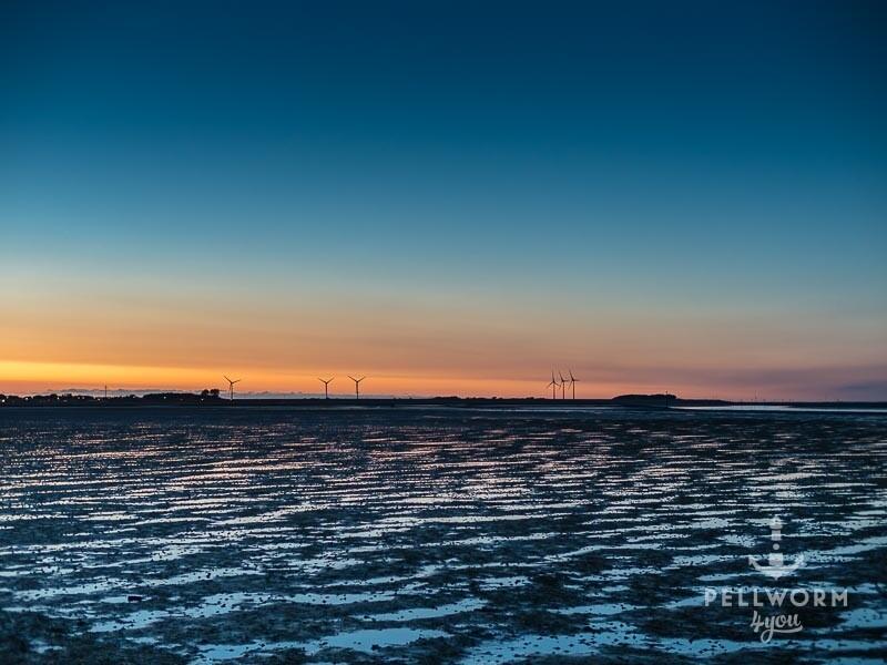 Das Watt am Tiewasseranleger zur blauen Stunde