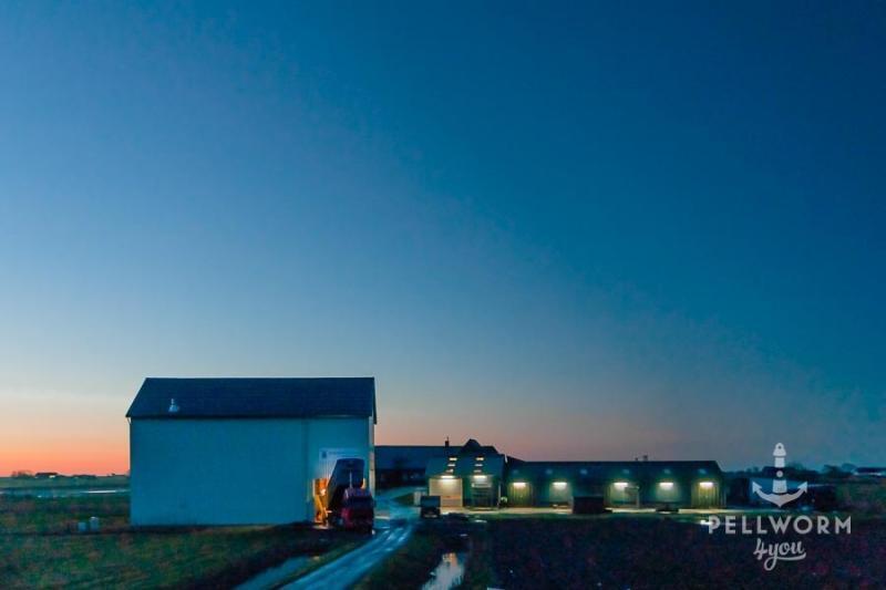 Landhandel Dethlef Dethlefsen auf Pellworm zur blauen Stunde